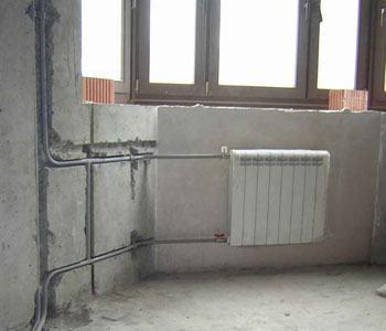 Монтаж стояков и подводок к приборам из стальных труб в Тюмени, монтаж отопления Тюмень